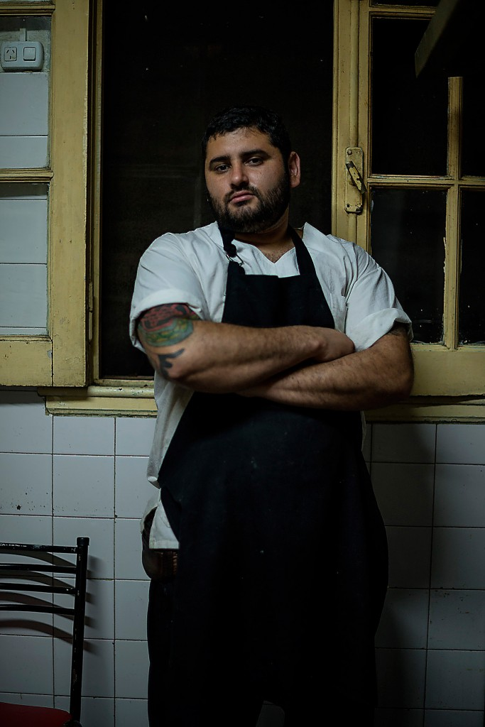 Eduardo Castro, 32 years old, he is the head cook in Monteagudo and has been working there for the last two years. Previously, he worked in ONG in the south of Buenos Aires, helping kids on the street. He is not involved in drugs