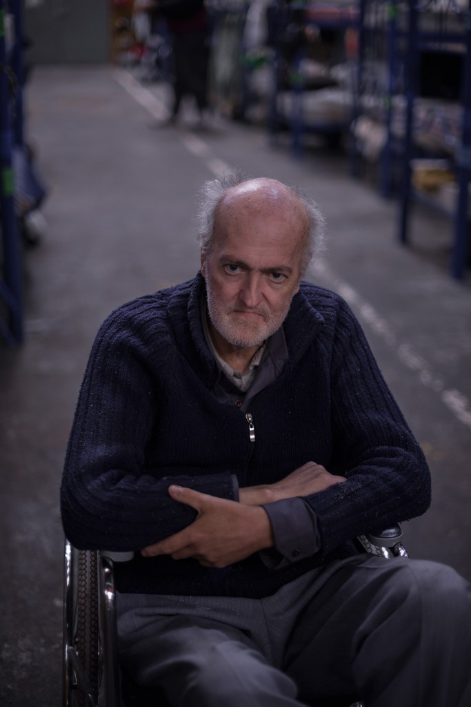 "Alberto Maria Sirica, 54 years old lives in Monteagudo for the past 6 years. He suffered a severe burn and he cannot provide for himself. He used to work in leather fabrics in the popular working area called ""Boca"". It was there that he was injured."